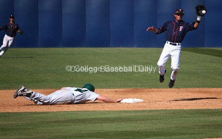 Richy Pedroza catches a pickoff attempt
