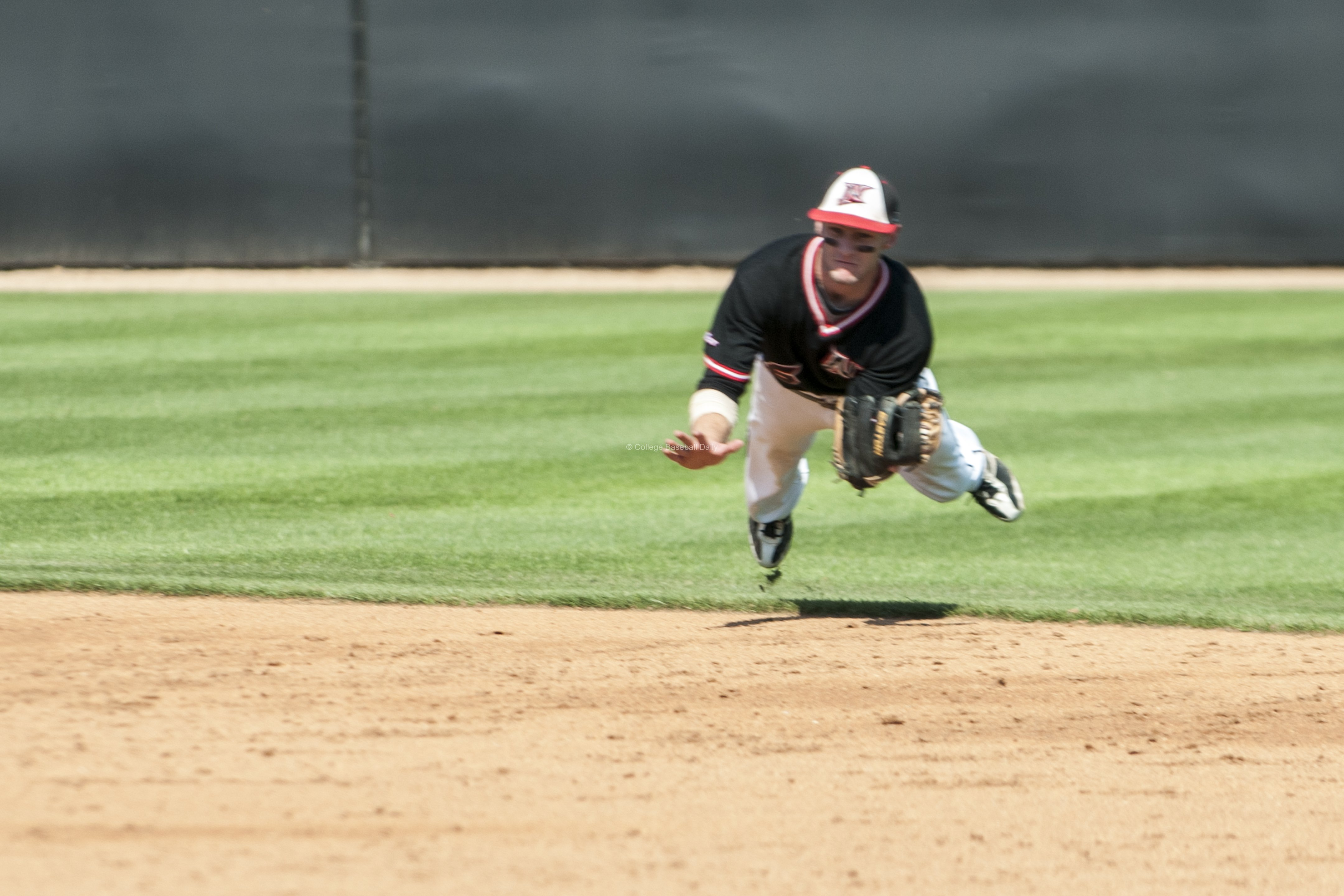 Kyle Attl makes a diving catch.