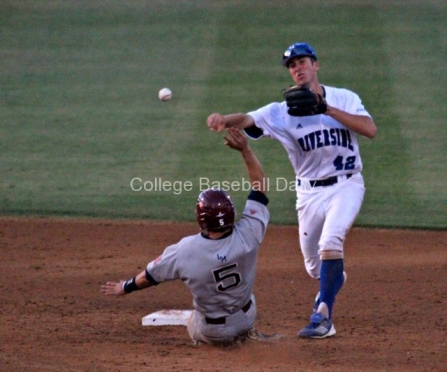 Nick Vilter turns the double play.