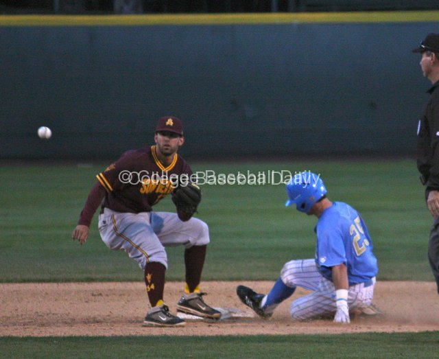 Beau Amaral steals second with ease.
