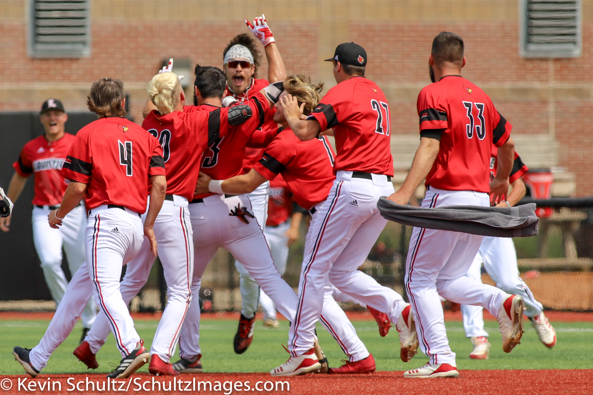 Cbd Gallery Louisville Defeats Illinois State 4 3 To Win Regional